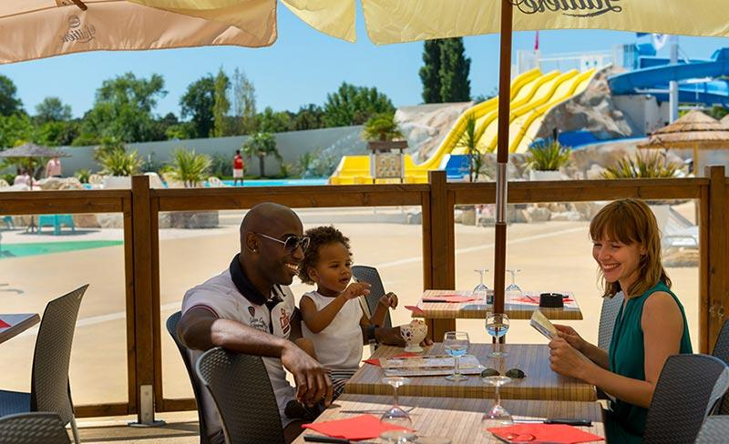 camping-les-charmettes-services-restaurant