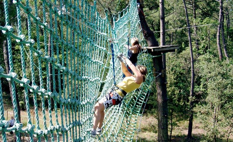 camping-les-charmettes-sport-accrobranches