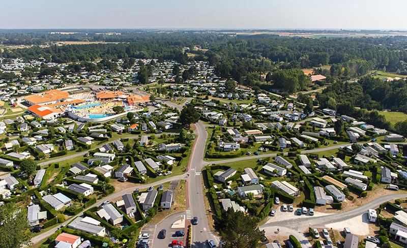 camping-les-charmettes-vue-aerienne