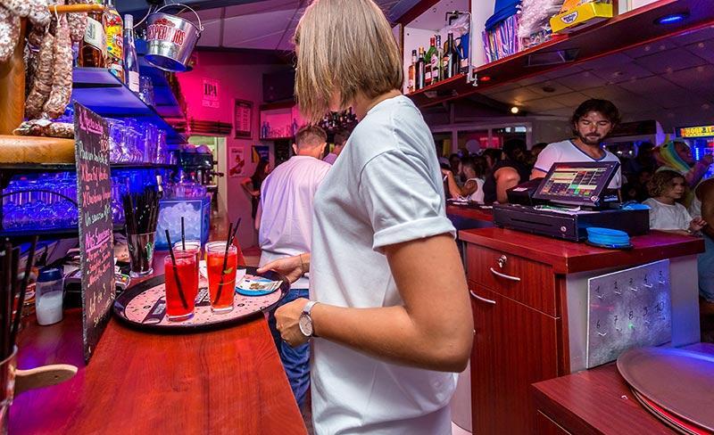 camping-les-pirons-ambiances-bar