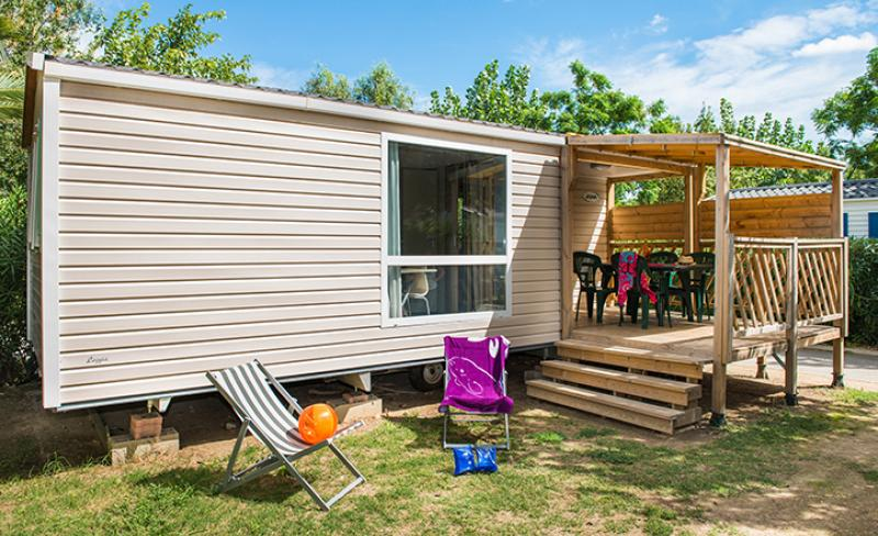 camping-les-tamaris-Cottage Méditerranée GRAND CONFORT 4-6p Extérieur V1.jpg
