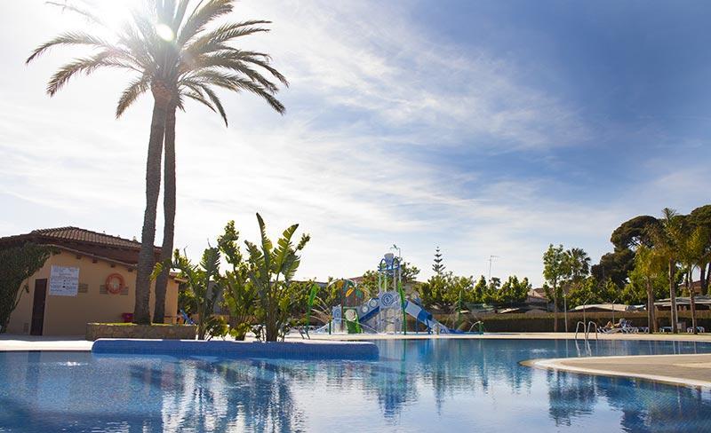 camping-llosa-costa-dorada-piscine