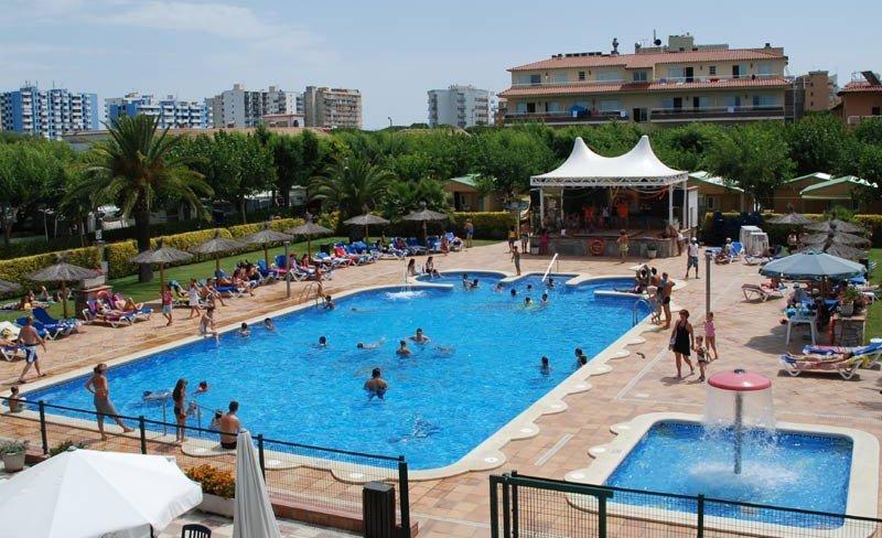 camping-masia-costa-brava-piscine-enfants