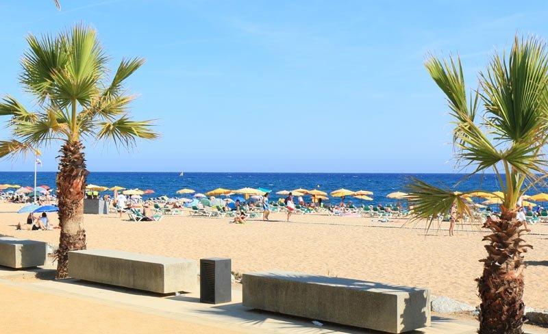 camping-masia-costa-brava-plage-blanes