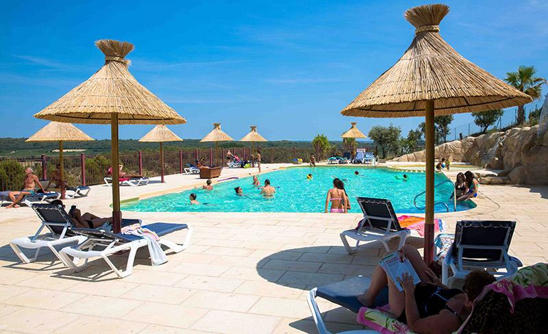 camping-mer-et-camargue-bain-de-soleil