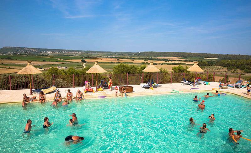 camping-mer-et-camargue-piscine