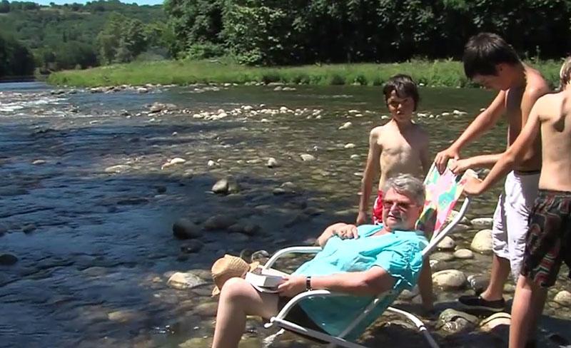 camping-mijeannes-ariege-environnement-bord-riviere