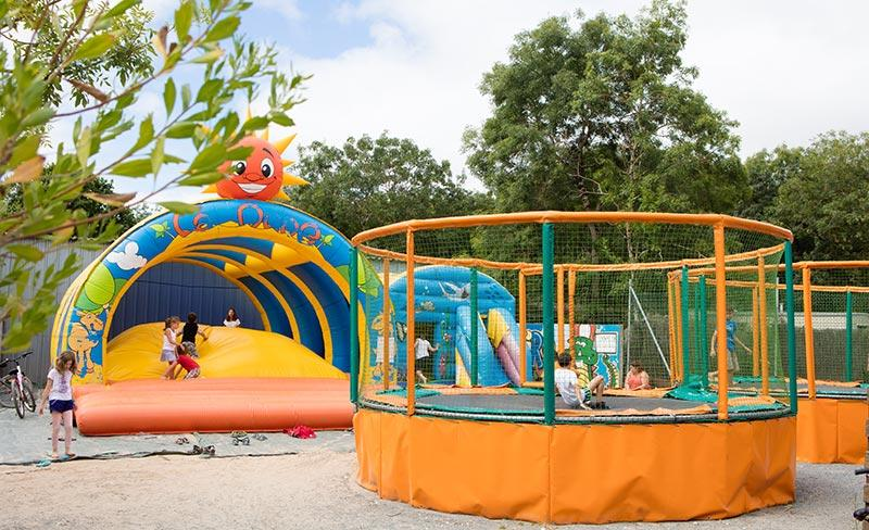 camping-oleron-loisirs-jeux-gonflables