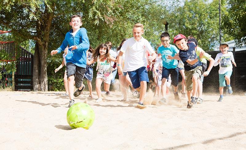 camping-oleron-loisirs-terrains-de-sports
