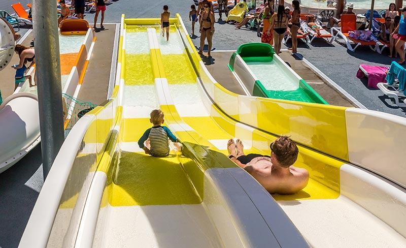 camping-oleron-loisirs-toboggans-piscine-2019