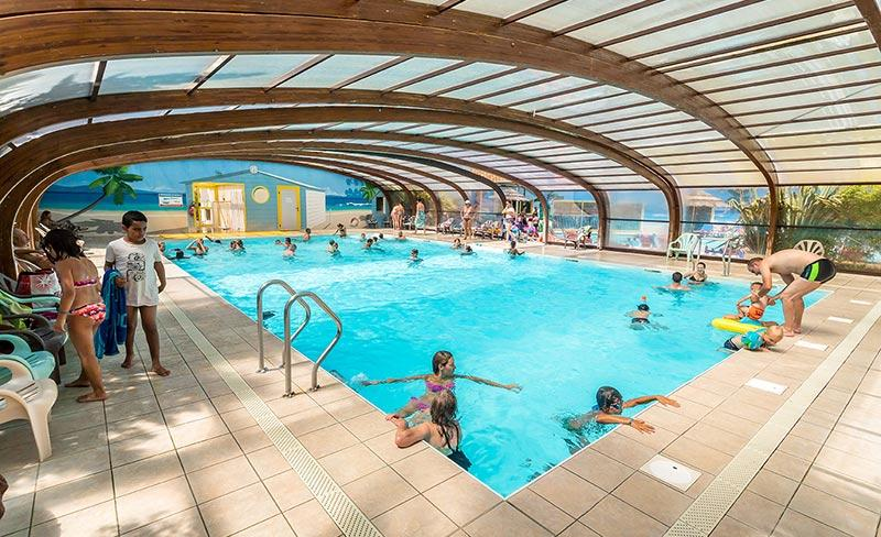 camping-oleron-loisirs-vue-piscine-couverte-2019