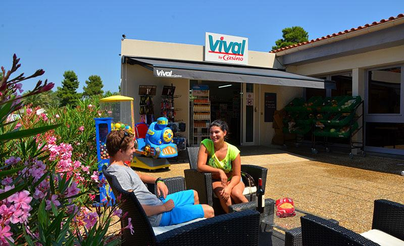 camping-pearl-argeles-services-bar