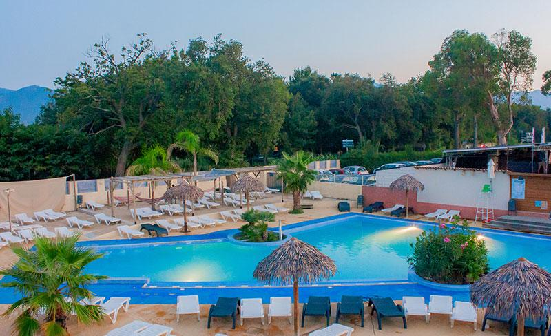camping-pearl-argeles-vue-piscine