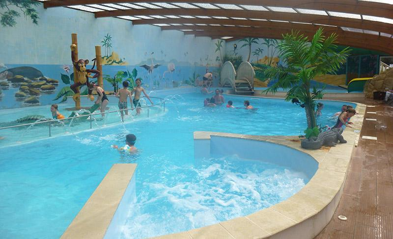 camping-pomme-de-pin-vendee-jacuzzi