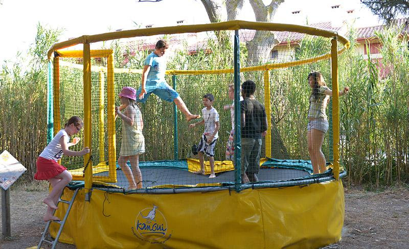 camping-presquile-services-trempoline