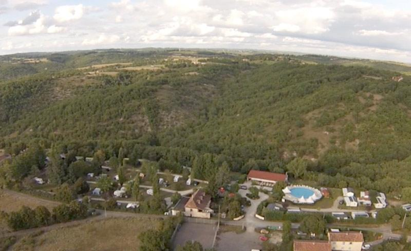 camping-quercy-vacances-vue-aerienne