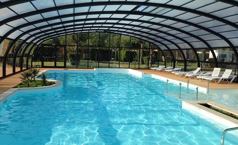 camping-riva-bella-piscine-couverte