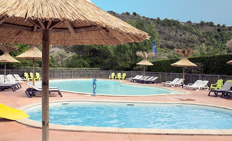 camping-saint-amand-laurac-ardeche-piscine