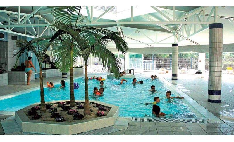 camping-saint-martin-moliets-landes-piscines-couvertes.jpg