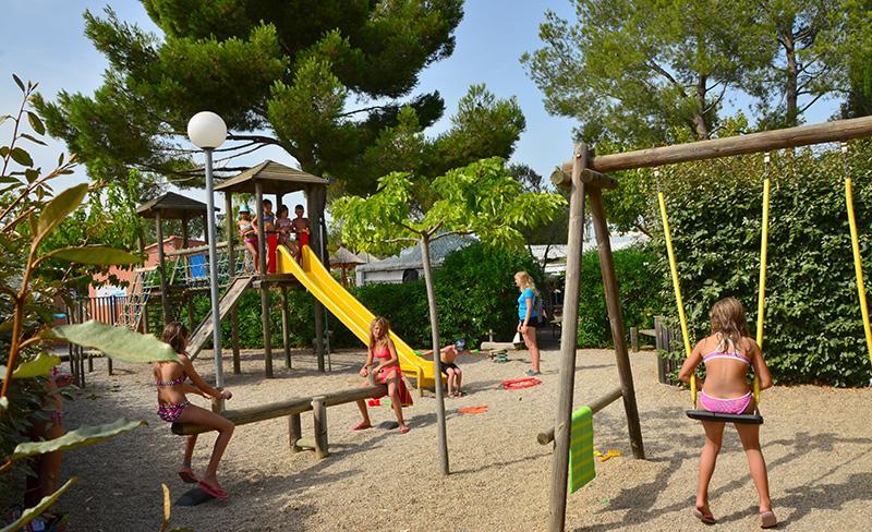 camping-sainte-veziane-agde-club-enfants-2017