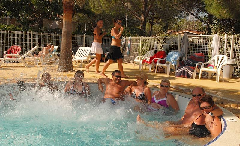 camping-sainte-veziane-agde-piscine-loisirs