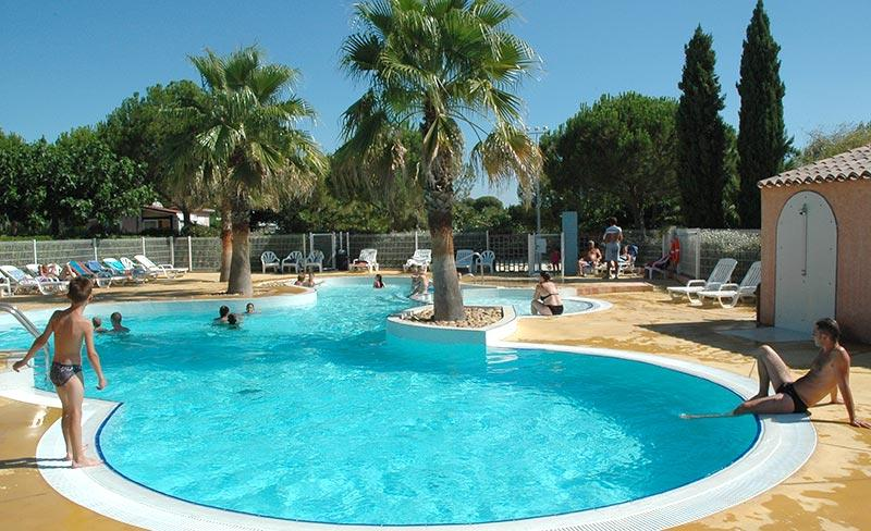 camping-sainte-veziane-agde-piscine