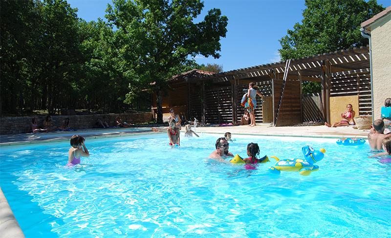 camping-segalieres-piscine