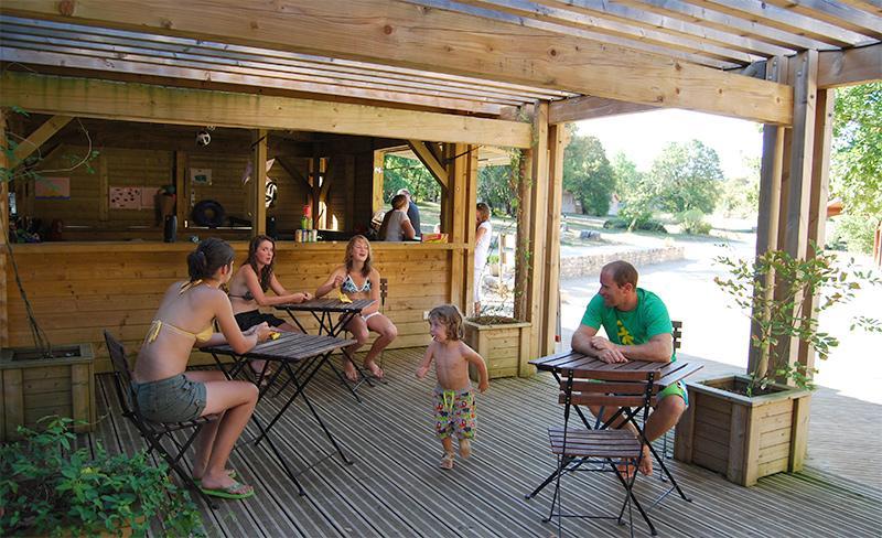 camping-segalieres-services-bar