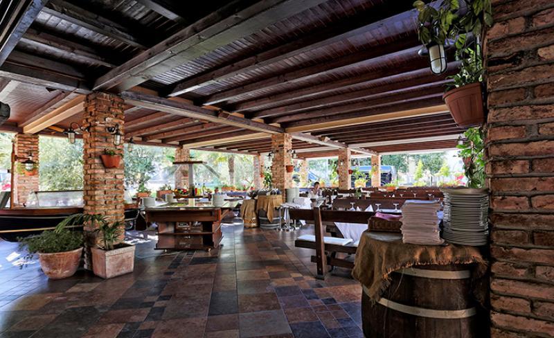 camping-solaris-restaurant-1.jpg