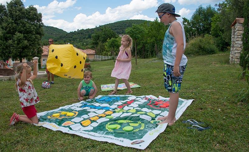 camping-sous-bois-st-maurice-d-ibie-loisirs-jeux-enfants-2019