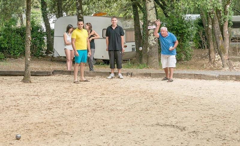 camping-sous-bois-st-maurice-d-ibie-loisirs-petanque-2019