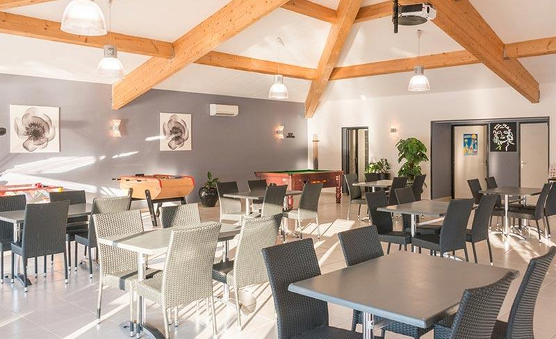 camping-sous-bois-st-maurice-d-ibie-salle-restaurant-2019
