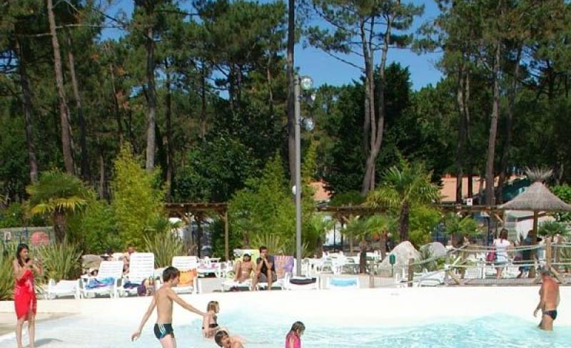 camping-vieux-port-messanges-landes-piscine