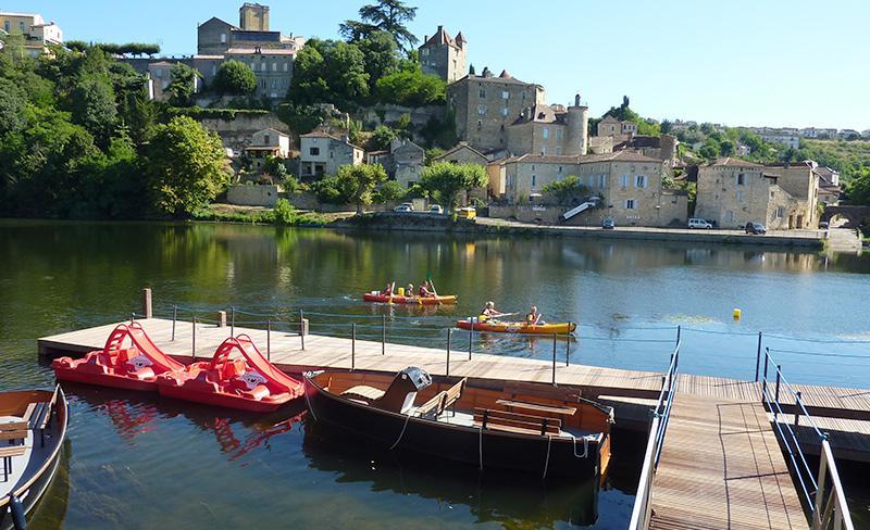camping-vignes-lot-canoe-sur-le-lot
