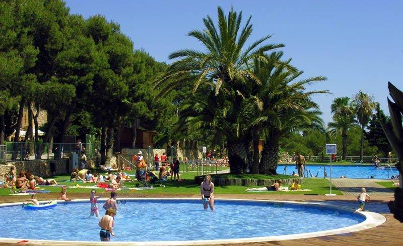 camping-vilanova-park-costa-dorada-piscine-enfants
