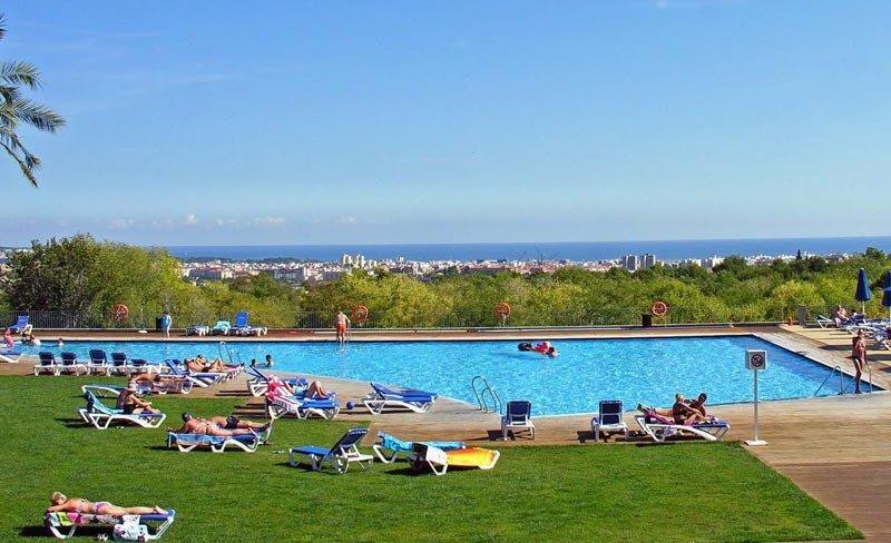 camping-vilanova-park-costa-dorada-piscine.jpg