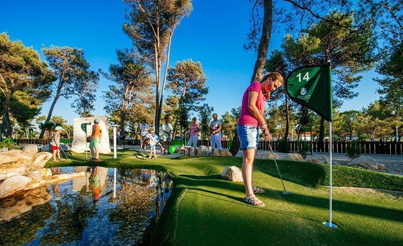 camping-zaton-mini-golf-2017