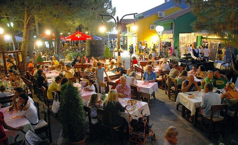 camping-zaton-restaurant-soir-2017.jpg
