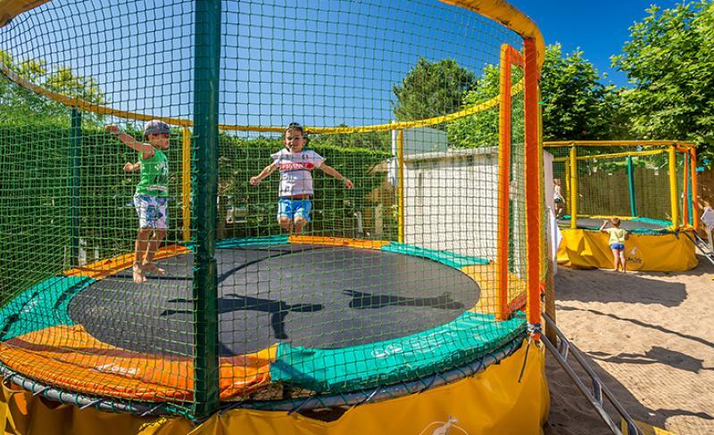 flots-bleus-trampoline.jpg