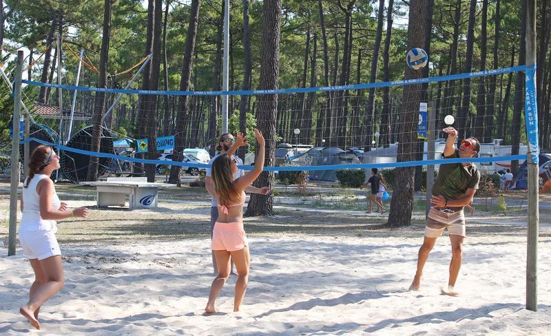 medoc-plage-beach-volley.jpg