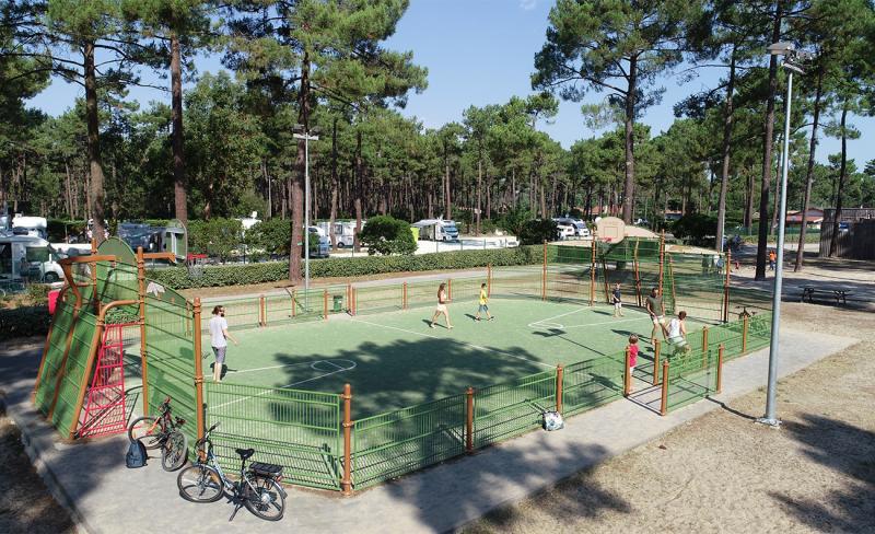 medoc-plage-terrain-multi-sports.jpg
