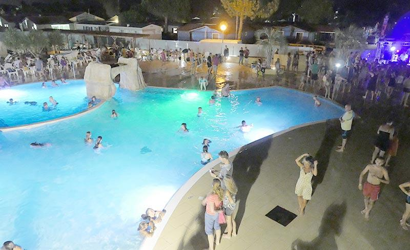 soleil-mediterranee-soiree-piscine