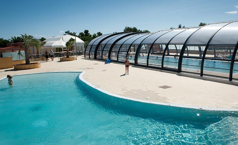 soleil-mediterranee-vue-piscine-couverte-decouverte