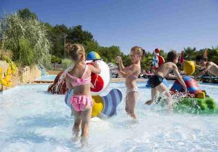 07-linotte-enfants-jeux-d-eau