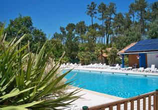 camping-blue-ocean-piscine