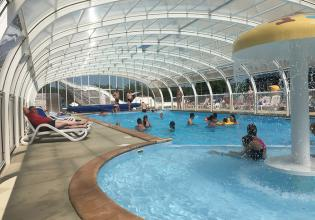 camping-golf-barneville-equipements-piscine-couverte