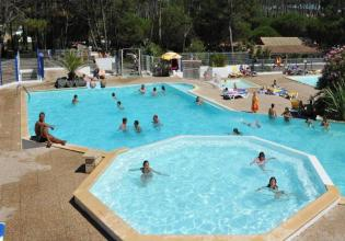 mobil-home-camping-saint-martin-8-places