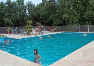 camping-sous-bois-st-maurice-d-ibie-loisirs-piscine-rectangulaire